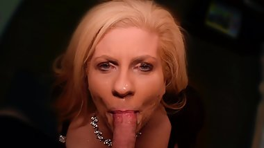 Being glamorous and showing love for MILF cock sucking clip