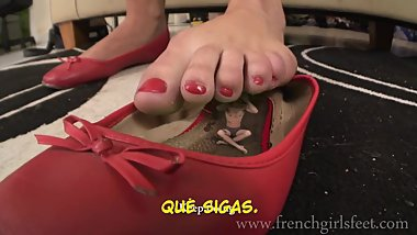 Mary Tortures Her Tyny Foot Slave