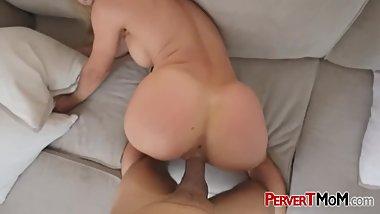 Horny stepson introducing his thick cock