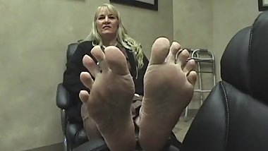 Mature blonde size 10 feet
