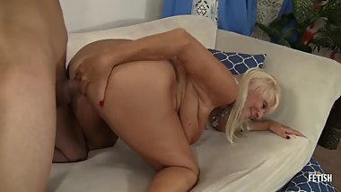 Busty mature lady fucked hard by a horny guy