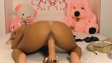 Sexy british ebony rides dildo. Perfect butt