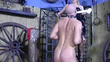 lady natalie Black - Dog training complete