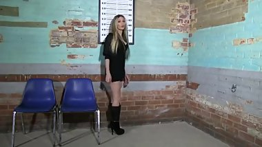 Gotcuffs Zoey Lovely feet barefoot in a prison cell