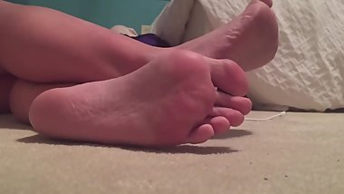 Sexy Girl Candid Toes and Feet