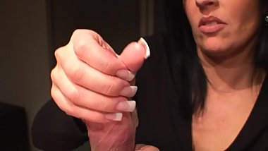 Condom handjob with great cumshot
