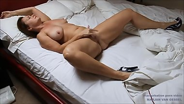 Super hot Dutch mature milf masturbating, fingering