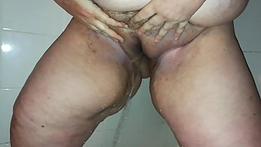 ssbbw pisses in shower in HD