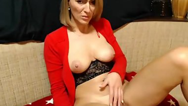 Horny Mature Woman Cam Show