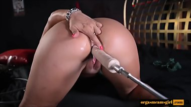 Milf fucking by sex machine - Watch more on orgasmcamsgirl.com