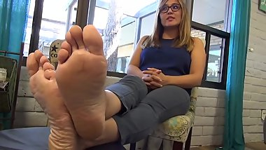 Country MILF Soles Casting (Feet Fetish Interview)