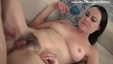 Hot Sexy Mom Loves Jungschwaenze
