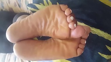Big splash on my chichi soles (gotta love her soles)