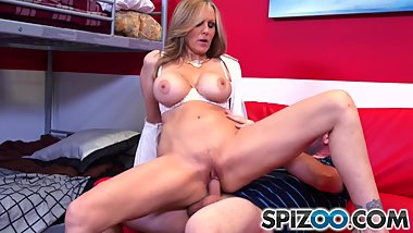 Spizoo - MILF Julia Ann suck and fuck a big dick, big booty & big boobs