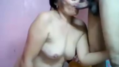 filipina granny sucking cock good on webcam