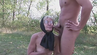 Slut Granny Gets Facial & Fucks Outside.