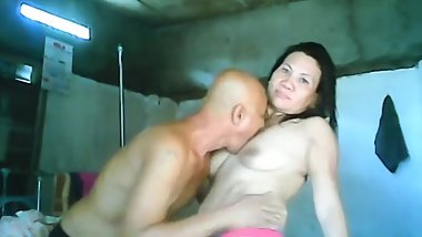 filipina mature mom sucks and fucks old filipina man on webcam