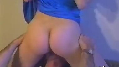 Amateur wife sucks