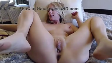 queen of queef with meaty pussy