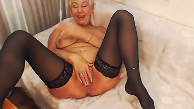 Blonde granny webcam