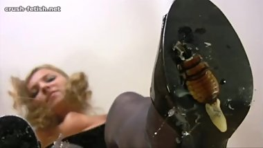 Dasha high heels cockroach crush