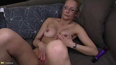 Mature Sue masturbating.
