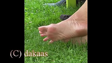 mature rubbing feet