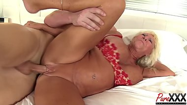 76 year old Mandi McGraw still loves the cock