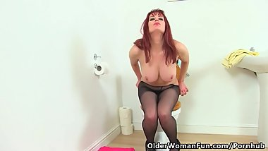 English milf Tanya Cox gets naughty on toilet