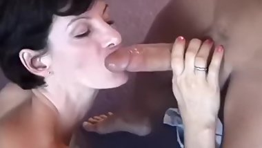 Mature MILF Sharon Mitchell gives public blowjobs