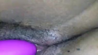 Super wet pussy doesn't last form vibrator on clit pov
