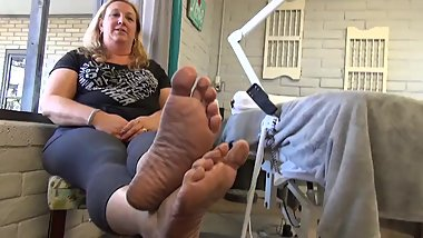 Mature Chubby Soles