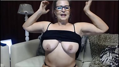 Strong Danish granny flexes and acts tough on cam
