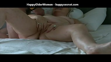 Granny fingering her pussy and eaiting cum. Amateur