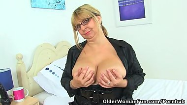 English milf Alexa fucks her matured fanny with a dildo