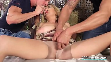 Cocked Dudes Banged a Mature Mom